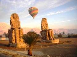 ballon-montgolfiere-louxor-1.jpg