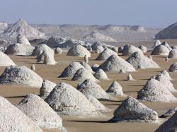 domes-du-desert-blanc-940x705.jpg
