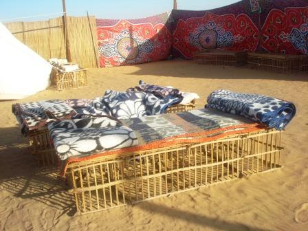 safari au oasis de kharga. Black Bedroom Furniture Sets. Home Design Ideas