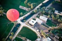 hot-air-balloon-over-luxor-egypt-photo-1433905-770tall-1.jpg